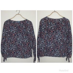 [Fleur Bleve] Blouse w/ tag-ties at the sleeves